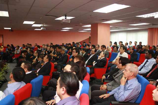 亚城大与东盟连锁加盟协会签署毕业生就业协议